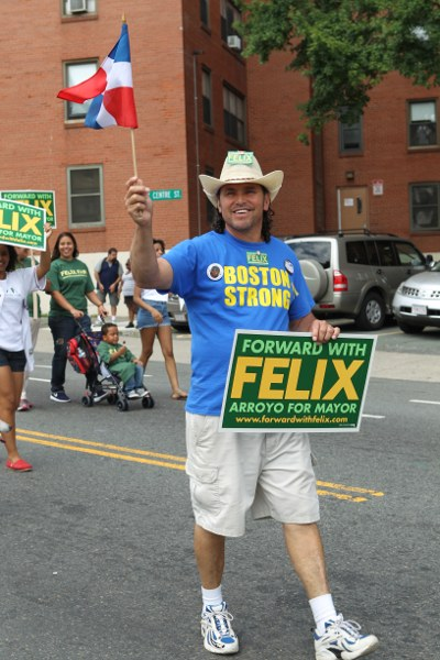 Carlos Arredondo supporting the Arroyo campaign