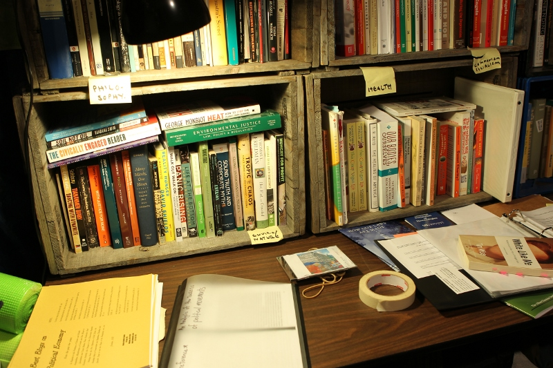 occupy_library04