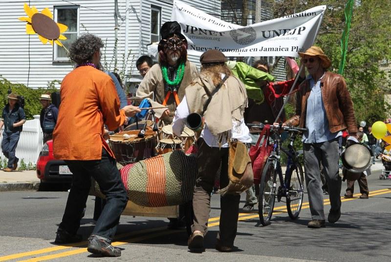 Wake Up the Earth parade: small band